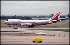 VT-EFU - London Heathrow (LHR) 26.07.1993 (Jakob_DK) Tags: 1993 lhr egll heathrow londonheathrow aic airindia boeing boeing747 747 b747 747200 jumbo jumbojet 747200b