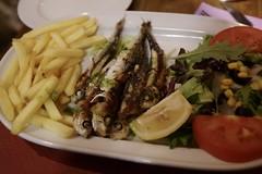 Anglų lietuvių žodynas. Žodis sardina reiškia <li>Sardina</li> lietuviškai.