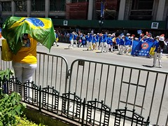 2017 International Parade of Nations (seanbirm) Tags: internationalparadeofnations lionsclub lcicon lions100 lionsclubinternational parades chicago illinois usa statestreet statest weserve melvinjones brasil brazil