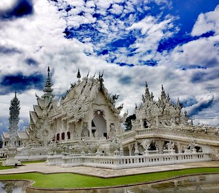 Wat Rong Khun...🏯 White Temple......🌎