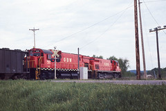 GB&W C430 #315 in Dodge WI on 5-22-76 (LE_Irvin) Tags: c424 dodgewi gbw