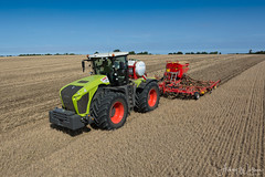 Claas Xerion 5000 + Vaderstad Drill (Ashley Wallace Photography) Tags: nikon photography crop agriculture farming wheatstubble uk unitedkingdom suffolk essex countryside green blue sky sunshine 2017 harvest summer oilseed osr drilling drill vaderstad xerion5000 claas claasxerion5000
