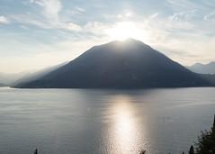 Varenna evening-14 (Paul Dykes) Tags: varenna lombardy lombardia italy italia lakecomo lagodicomo eveninglight evening it