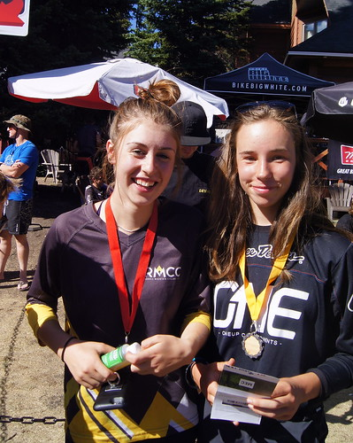 Ainhoa and Senna post podium