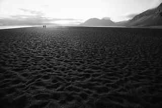 Walkers through infinity/Caminantes por el infinito.