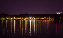 Reflejos nocturnos (Verargb) Tags: finland reflejo luz lago lake night