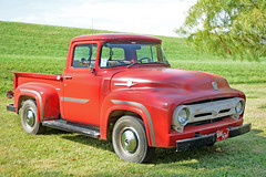 Old Red - 1956 Ford F100 (Brad Harding Photography) Tags: 1956 56 ford f100 truck pickup utility antique classic vintage olmaraisriverruncarshow ottawa kansas carshow restoration restored red oldred