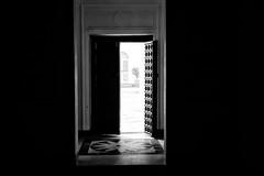Door (alvis2603) Tags: gandhi gandhismrit bw canon6d door