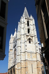Leon Cathedral (Alan1954) Tags: leon spain holiday 2017 cathedral christian catholic church