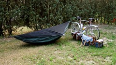 #040/130 (Shu-Sin) Tags: summer sabbatical cyclotour randonneur randonneuse shusin europe bicycle tour 650b velo bicicletta bici hammock sleeping camping camp ground bike post no trees hennessy asymmetrical asymmetric