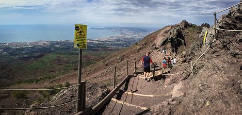 Vesuvius crater edge