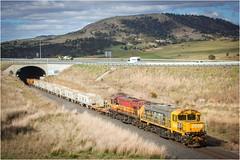 2006 + 2011 on Ballast at Brighton (Trains In Tasmania) Tags: australia tasmania tasrail brighton train ballasttrain dq dqclass 2006 dq2006 emd bridge ef35350mm13556lusm canoneos550d scene diesellocomotive gm trainsintasmania stevebromley