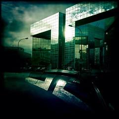 Le ponant (Paris15eme) (berardici) Tags: paris immeuble miroir hipstamactic johnslens phautographie reflet reflexion 5faves 10faves mr 100 200