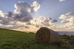 Atardecer mágico (DONXRi) Tags: barrika nikon d7200 azul blue cielo nubes clouds sky sigma sea sunset