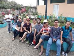 Inicio de la mision parroquial: Alex con gente de la parroquia y del grupo de jovenes