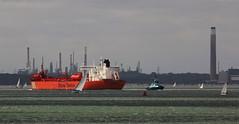 Steady Stena (crusader752) Tags: stenateekay crudeoil shuttletanker stenasirita thesolent tanker tug fawleyrefinery fawley yachts yacht