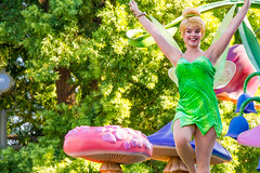 Tinker Bell (EatThisLight) Tags: disney disneyland disneyparade parade disneycharacter character facecharacter soundsational fantasy girl pretty lovely color california anaheim magic fairy pixie green tinkerbell peterpan pixiehollow pixiedust wings wand smile
