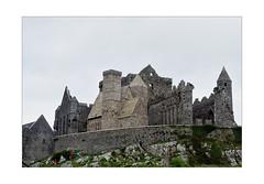 Rock of Cashel (dolorix) Tags: dolorix irland ireland tipperary cashel rockofcashel stpatricksrock burg castle ruine ruin kapelle chapel