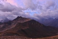 une couleur hallucinante sur le Sasseneire (bulbocode909) Tags: valais suisse cabanedesbecsdebosson valdanniviers valdhérens sasseneire montagnes nature paysages pasdelona nuages ciel bleu