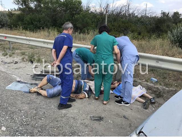 Вмассовом ДТП под Саратовом погибли шофёр иребенок