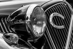 Phare (Didier Mouchet) Tags: phare lumière voiture voitureancienne car oldcar didiermouchet d5300 nikond5300 nikon noiretblanc blackandwhite bw monochrome feràcheval