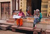 India-Jodhpur (venturidonatella) Tags: india asia jodhpur persone people gentes nikon nikond300 d300 colori colors street streetscene streetlife ritratti portraits emozioni paper giornali leggere reading news notizie