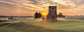 Morning mist at Knowlton Church and Henge.