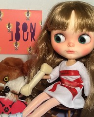 Toy-in-the-Frame Thursday; and Blythe-a-Day August#15. Mmm, Mmm, Good: Marcelle & Barkley