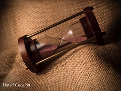 Time tumble (David Cucalón) Tags: davidcucalon still life photography naturalezamuerta bodegon macro fineartphotography time tiempo sandwatch relojdearena hourglass