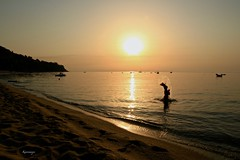 ON...Ritorno con l'alba (kiareimages1) Tags: caminia calabria italia alba mare sea sunrise beach spiaggia mediterraneo staletti