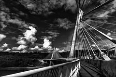 Pont de Terenez (vedebe) Tags: architecture pont ponts bretagne noiretblanc netb nb bw monochrome nuages ciel