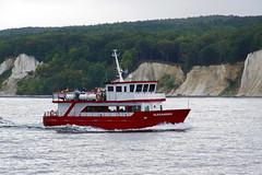 MS ALEXANDER (ingrid eulenfan) Tags: rügen kreidefelsen msalexander ostsee schiffstour seeschiff passagiere wasser wellen küste schiff boot 7dwf sassnitz