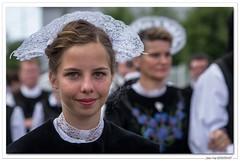 Coiffe du pays de Lorient, Port-Louis. (FIL 2017) (C. OTTIE et J-Y KERMORVANT) Tags: lorient festivalinterceltique tradition coiffes coiffesbretonnes portlouis bretagne
