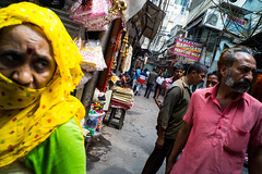 Chandni Chowk (enmrd) Tags: street streetphotography chandnichowk delhi india a7s voigtlander28mm streetcolor