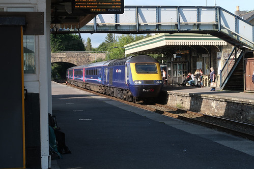 Penzance train arriving at Par