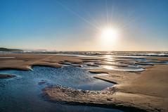 Puesta de sol en Xagó (ccc.39) Tags: asturias gozón xagó playa puestadesol ocaso atardecer orilla agua mar arena sol cantábrico