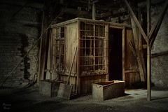 Closer (PhotonenBlende) Tags: abandoned lost verlassen decay verfall attic dachboden doorway türöffnung chamber kammer rust rost timber masonry mauerwerk balken dark dunkel lostplace wood holz art fineart kunst abstract abstrakt surreal scary schaurig unwirklich hdr nikon d7200 sigmaex indoor