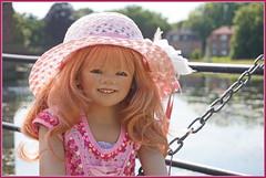 Margie ... wohlbehütet ... (Kindergartenkinder) Tags: schlossanholt dolls himstedt annette park kindergartenkinder sommer wasserburg margie isselburg garten