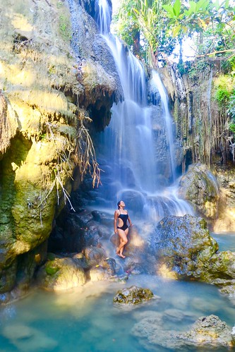 At the Oenesu Waterfalls in Kupang, West Timor, East Nusa Tenggara.  Indonesia  August 2017 #itravelanddance