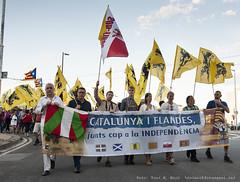 _DSC9267 (Toni M. Micó) Tags: fotoespai barcelona fossar fossardelesmoreres fossarmoreres flandes südtirol vlaanderen bandera flag pancarta banner catalunya independència euskadi sudtirol