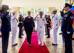 Australian Defence Minister Marise Payne Visits U.S. Pacific Command (#PACOM) Tags: australia uspacom pacom ministerofdefense admharryharris navy pacific marisepayne camphmsmith hawaii unitedstates us