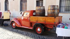 Rome - Trastevere - May 2015 - Fiat Legno Furgone - Side (Gareth1953 All Right Now) Tags: fiat fiatlegnofurgone woodie pickup barrels 1951 rome market orange red parked rare immaculate wagon fiatwoodiewagon flatbed