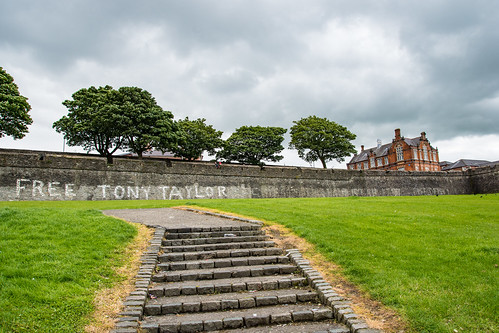 Derry - City Wall