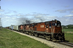 Lugging out of Taylor (ac1756) Tags: greenbaywestern gbw greenbayroute alco c424 314 2 taylor wisconsin