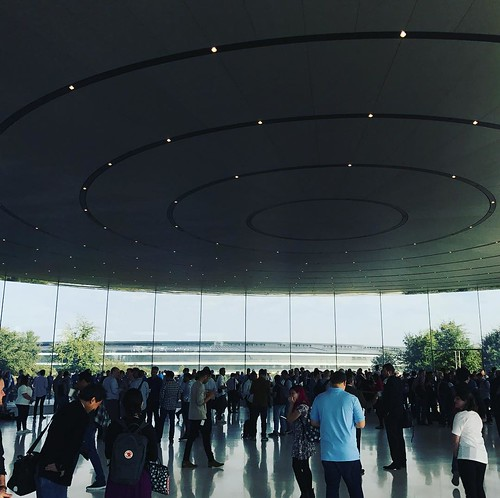 Waiting for the lift of great products #AppleEvent #SteveJobsTheater