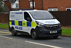 KM15CDK (Cobalt271) Tags: km15cdk northumbria police vauxhall vivaro 16 cdti 2900 dog van proud to protect livery