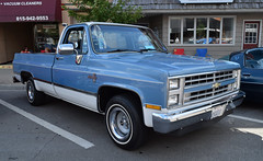Classic 80s Chevy (kendoman26) Tags: happytruckthursday pickup chevypickup morriscruisenight july2017morriscruisenight nikon nikond3300 nikon1855afs3556