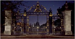 Jubilee gate Regents park (charleyk) Tags: gateway nightime park