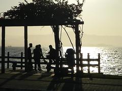 silhuetas (Joice Monteiro) Tags: amigos silhuetas friends mar sea praia beach