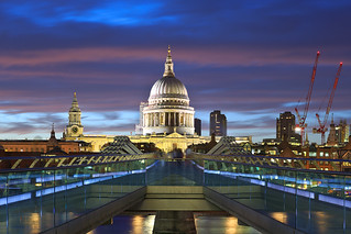 St.Pauls Cathedral with Millenium Bridge